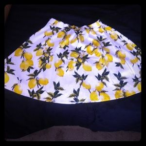 Dresses & Skirts - Lemon circle skirt